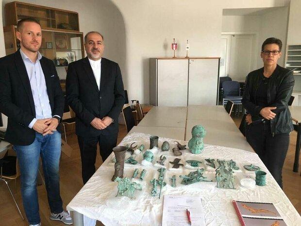 إيران تستعيد مقتنيات أثرية لها تم تهريبها الى النمسا