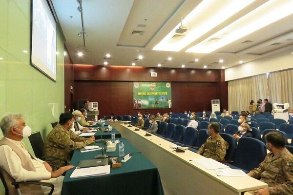 Iran calls for regional coop. to deal with locust challenge