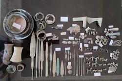 ۸۲ قطعه عتیقه مربوط به هزاره اول قبل از میلاد در سنندج کشف شد