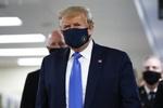 امریکی صدر ڈونلڈ ٹرمپ  بھی ماسک پہننے پر مجبور ہوگئے