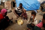 یمن کی نصف سے زائد آبادی کے پاس کھانے کی کوئی چیز نہیں ہے
