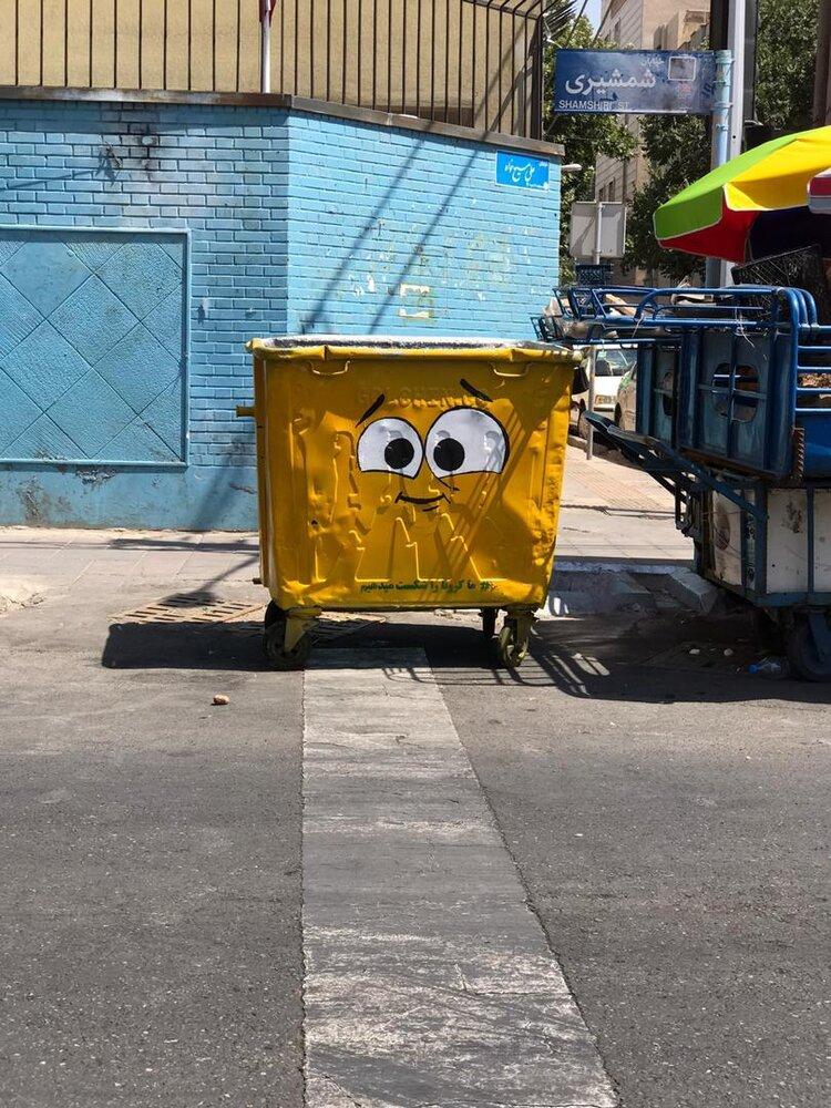 سطل های زباله هم مجبور شدند ماسک بزنند!