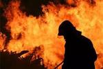 مهار آتش در کارخانه لنجسازی بوشهر/ ۷ فروند لنج سوخت