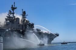 ABD savaş gemisindeki yangını söndürme çalışmaları devam ediyor