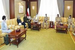 فرمانده تروریست های سنتکام با وزیر دفاع کویت دیدار کرد