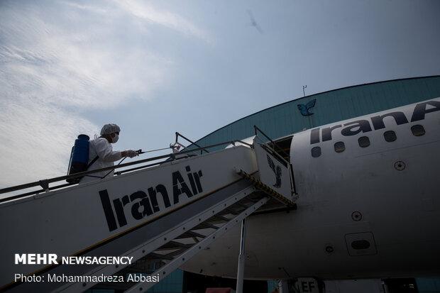ضد عفونی هواپیماهای مسافربری در فرودگاه مهرآباد