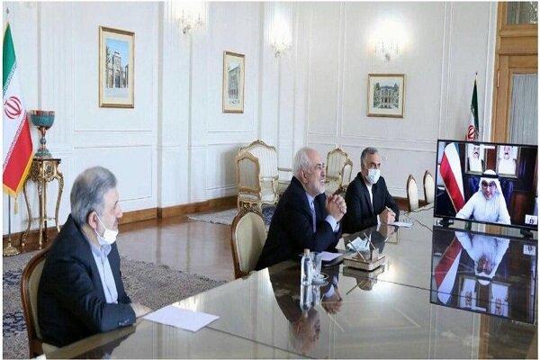ظريف يبحث مع نظيره الكويتي العلاقات الثنائية والتطورات الاقليمية