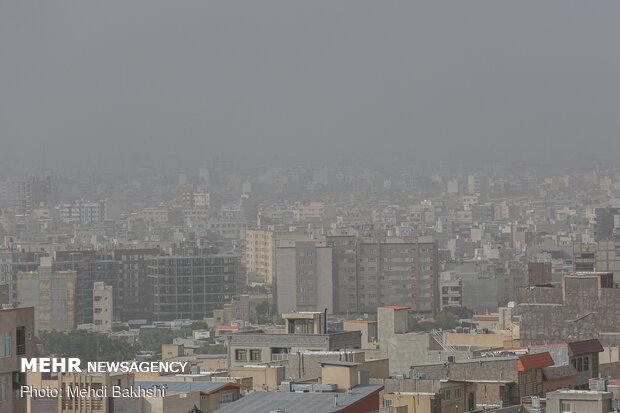 Dusty air of Qom on Monday