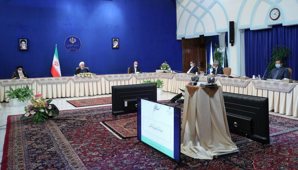 تینوں قوا کے سربراہان کی موجودگی میں اعلی اقتصادی کونسل کا اجلاس منعقد