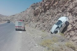 برخورد خودرو به کوه در جاده ایلام-مهران ۴ مصدوم برجا گذاشت