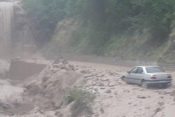 اٹلی میں طوفانی بارش کے بعد درجنوں گاڑیاں بہہ گئیں
