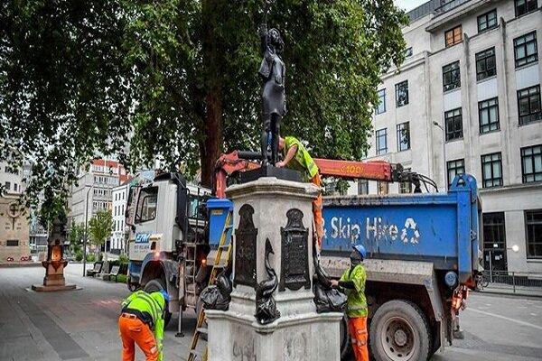 مجسمه معترض سیاهپوست در انگلیس پایین کشیده شد