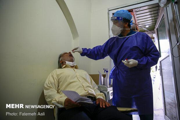 Tahran'da koronavirüs testi böyle yapılıyor!