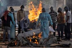 Hindistan'da kabus: Ölenler otoparklarda toplu yakılıyor