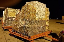 Iran sends medical aid to Iraq concurrent with Zarif's visit