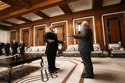 Iraq serious about implementing agreements with Iran: Zarif