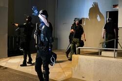 معترضان آمریکائی مقر پلیس پورتلند را به آتش کشیدند