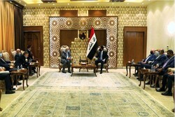 Zarif meets with Iraqi parliament speaker