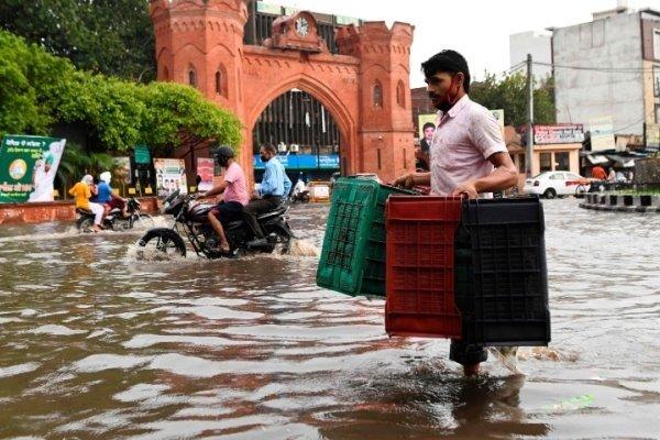 بھارتی ریاست تلنگانہ میں سیلاب سے 12 افراد ہلاک