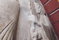 دست سرباز هخامنشی تخت جمشید به پیکره اصلی پیوند خورد