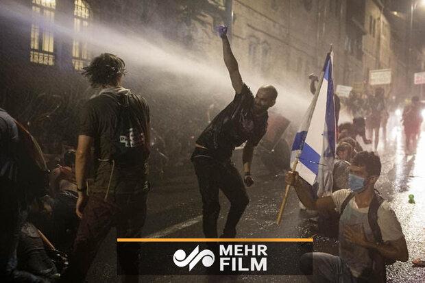 VIDEO: Thousands protest Netanyahu's corona response