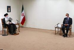 """كيف تفاعل رواد التواصل الاجتماعي مع اجتماع قائد الثورة ب""""الكاظمي""""؟"""