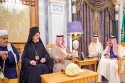 حاخام يهودي يصلّي لشفاء الملك السعودي