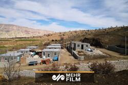 مسدود شدن جاده ترانزیتی توسط اهالی یک روستا در لرستان