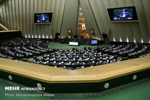 تقاضای نمایندگان برای تشکیل کمیسیون فضای مجازی بررسی میشود