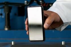 شیشه های نشکن برای موبایلهای آینده تولید می شود