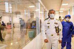 دریادار سیاری از نمایشگاه دستاوردهای ملی دفاع مقدس بازدید کرد