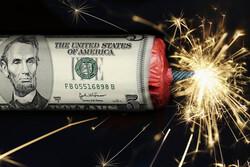 اقتصاددان معروف آمریکایی: سال ۲۰۲۱ سال سقوط دلار است/ احتمال ۵۰ درصدی وقوع رکود ثانویه