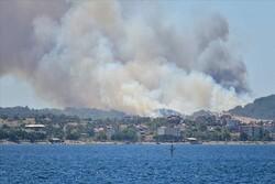 Gelibolu'da orman yangını: 2 uçak, 10 helikopter müdahale ediliyor