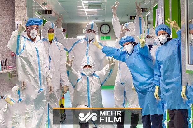 Dünya futbolcuları sağlık çalışanlarını alkışladı