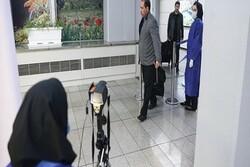 إيران تلزم الوافدين اليها بتقديم شهادة صحية معتمدة تؤكد عدم أصابتهم بكورونا