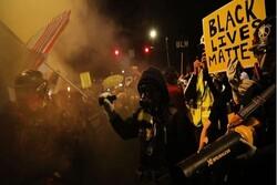 پورٹ لینڈ میں مظاہرین اور پولیس کے درمیان شدید جھڑپ
