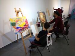 تلاشهای کادر درمان در قاب رنگهای هنرمندان مشهد