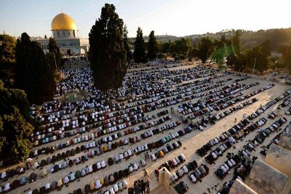 100K Palestinians perform Eid prayers in Al-Aqsa mosque