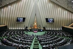 Lawmaker says Iran should not negotiate with US