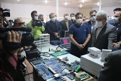 Sattari visits knowledge-based companies in Yazd