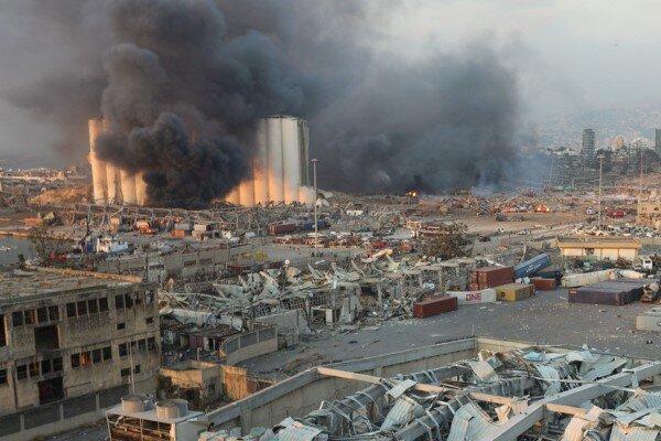 Beyrut Limanı'nda korkunç yangın