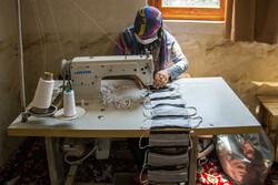 Tahran'da maske üretimi