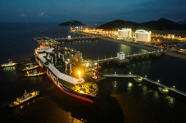 کرهجنوبی تامین الانجی برای پاکستان تشنه انرژی را آغاز کرد