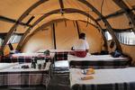 İran, Beyrut'ta sahra hastanesi kurdu