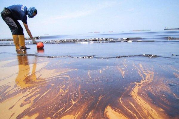 جزئیات پاکسازی ۲ لکه نفتی بزرگ/ چگونه از آلودگی محیط زیست رهیدیم؟