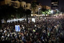 خمسة عشر الف اسرائيلي يطالبون بزجّ نتنياهو بالسجن المؤبد
