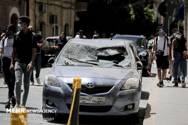 خسارت وارد به خودروهای عبوری در اطراف بندر بیروت