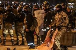 درگیری معترضان با نیروهای پلیس ضدشورش در پایتخت بلاروس