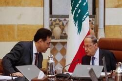 رئيس الحكومة اللبنانية یناقش موضوع استقالة الحكومة مع الرئيس عون