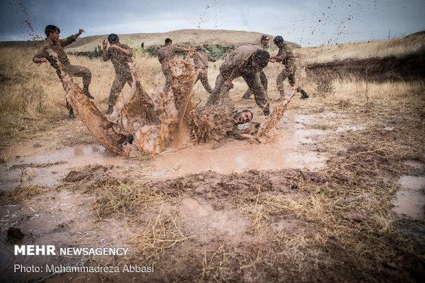 دتدريبات قوات مغاوير البحر التابعة للجيش الايراني